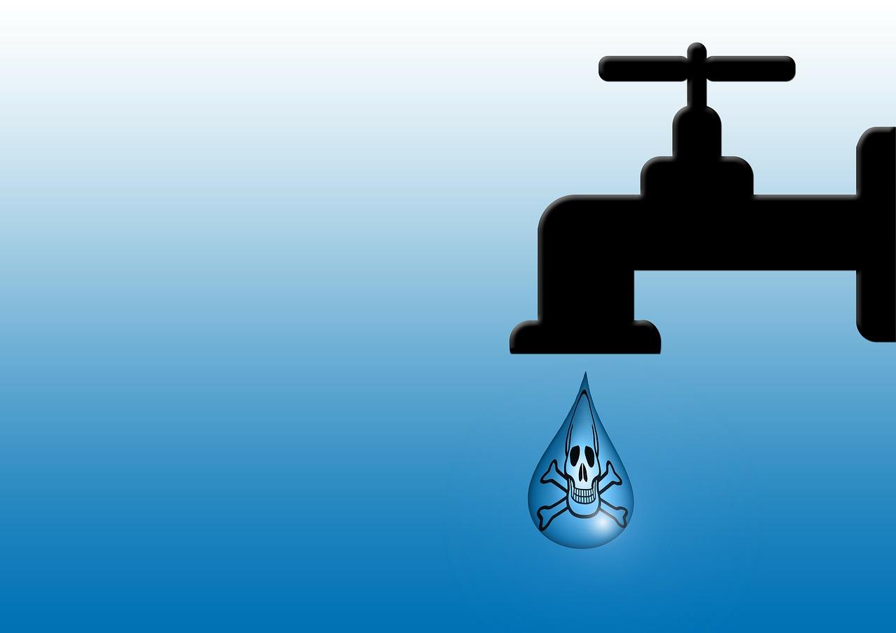faucet, skull and crossbones, drip-114442.jpg